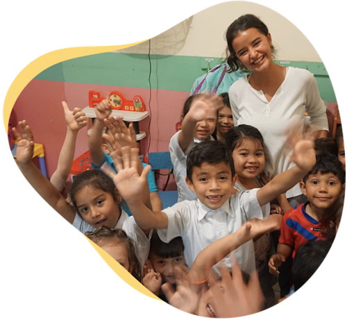 Volunteer in Costa Rica working with children at a local kindergarten